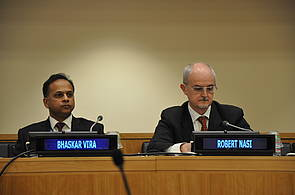 Photo showing Bhaskar Vira (GFEP) and Robert Nasi (CIFOR)