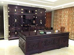 Photo showing Office furniture made from rosewood (China)