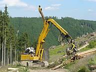 Jammer yarder based on a Komatsu excavator