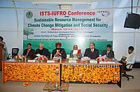 Photo showing dignitaries at inaugural function at Chandigarh 2014 conference.