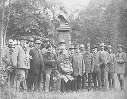 "Photo showing Participants of the 20th Meeting of the German forest research institutes with international participation; from the Hagen Memorial in Eberswalde in September 1892. This committee decided on 19 September 1892 the establishment of the International Union of Forest Experiment Stations.  (Scan from the book by Albrecht Milnik ""Bernhard Danckelmann. Leben und Leistungen eines Forstmannes"". Suderburg 1999, S. 128)"